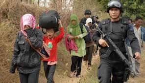 Warga Sampang yang terusir - setelah rumah mereka dibakar hanya karena beda aliran: komunikasi yang salah?