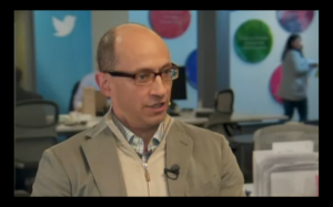 CEO Twitter, Dick Costolo: makin kaya (credit photo: CNBC; screenshot by Cnet).