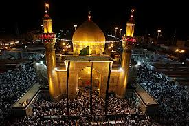 People gathered at Imam Ali bin Abithalib's shrine in Najf, Iraq (pict by: Christian Science Monitor)
