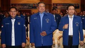 SBY diapit Marzuki (kanan) dan Anas: bisakah Demokrat survive?