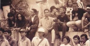 Anies saat demo menentang pembreidelan majalah Tempo, Editor, dan tabloid Detik - saat Anies menjadi Universitas Gajah Mada - 1994.