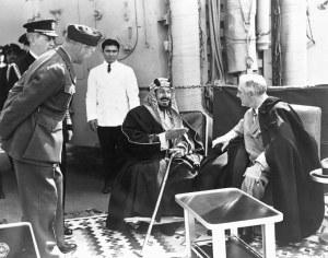 Raja Abdul Aziz Al-Saud dan Presiden AS Roosevelt, 1945