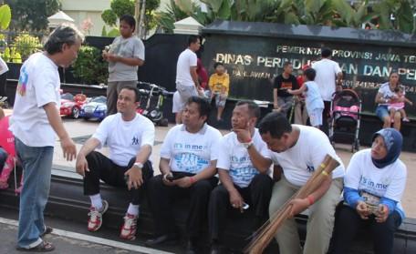 Anies Baswedan bersama publik di Semarang