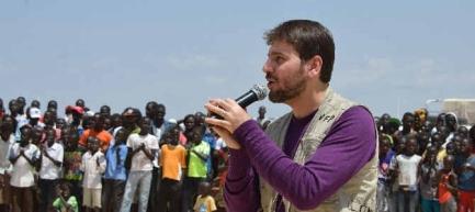 Sami Yusuf di Afrika - bantu kemanusiaan